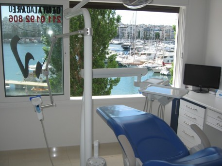 Aesthetic Dentist Piraeus